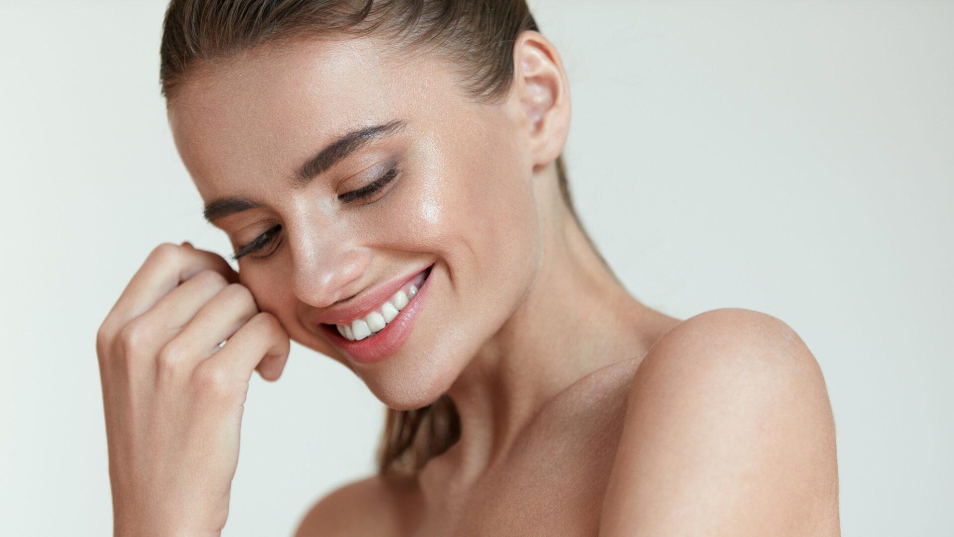 Wolumetria twarzy – jakie korzyści przynosi zabieg